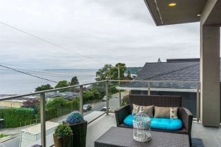 Photo 8: 15271 COLUMBIA Avenue: White Rock House for sale (South Surrey White Rock)  : MLS®# R2073081