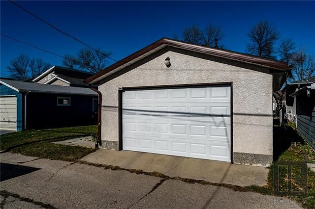 Photo 18: Photos: 940 Weatherdon Avenue in Winnipeg: Crescentwood Residential for sale (1Bw)  : MLS®# 1828216