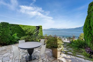 Photo 3: 2615 POINT GREY Road in Vancouver: Kitsilano 1/2 Duplex for sale (Vancouver West)  : MLS®# R2594399