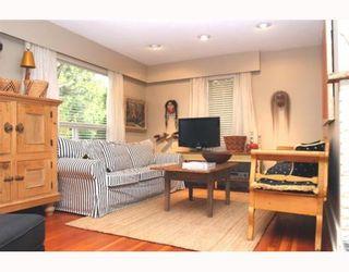 """Photo 3: 1722 BRAID Road in Tsawwassen: Beach Grove House for sale in """"Beach Grove"""" : MLS®# V797018"""