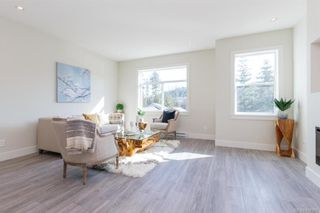Photo 9: 607 Selwyn Close in Langford: La Thetis Heights Row/Townhouse for sale : MLS®# 834395