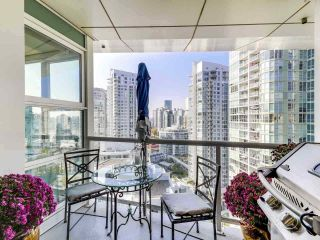 """Photo 11: 2305 1077 MARINASIDE Crescent in Vancouver: Yaletown Condo for sale in """"MARINASIDE RESORT"""" (Vancouver West)  : MLS®# R2544520"""