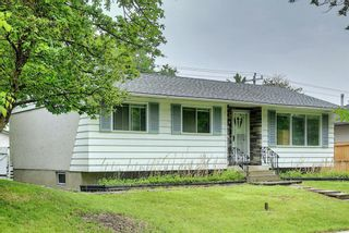 Photo 2: 1228 19 Street NE in Calgary: Mayland Heights Detached for sale : MLS®# A1118594
