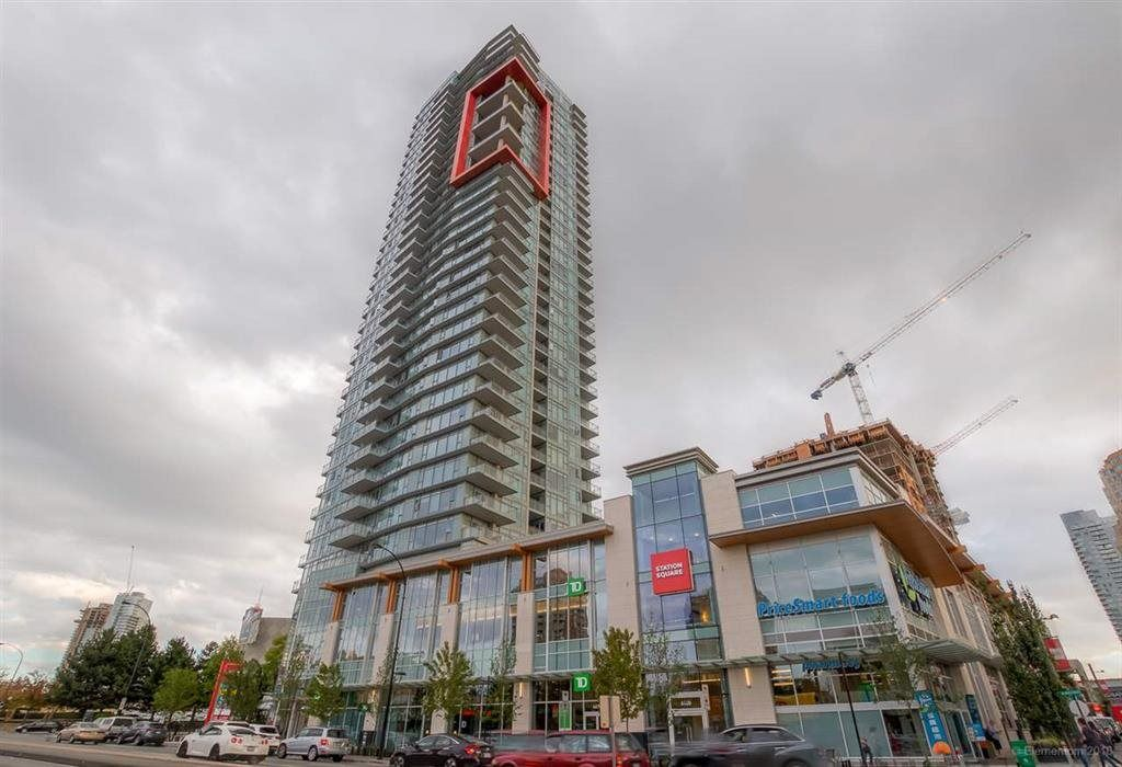 """Main Photo: 1002 4688 KINGSWAY in Burnaby: Metrotown Condo for sale in """"STATION SQUARE I"""" (Burnaby South)  : MLS®# R2449653"""