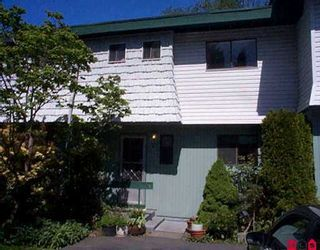 "Photo 1: 5 10898 152ND ST in Surrey: Bolivar Heights Townhouse for sale in ""Woodbridge"" (North Surrey)  : MLS®# F2609389"