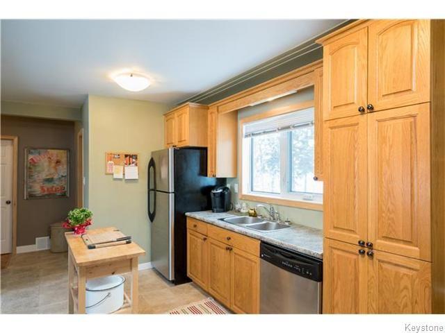 Photo 9: Photos: 8428 ROBLIN Boulevard in HEADINGLEY: Headingley South Residential for sale (South Winnipeg)  : MLS®# 1601053
