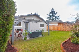 Photo 30: 942 Sluggett Rd in : CS Brentwood Bay Half Duplex for sale (Central Saanich)  : MLS®# 863294