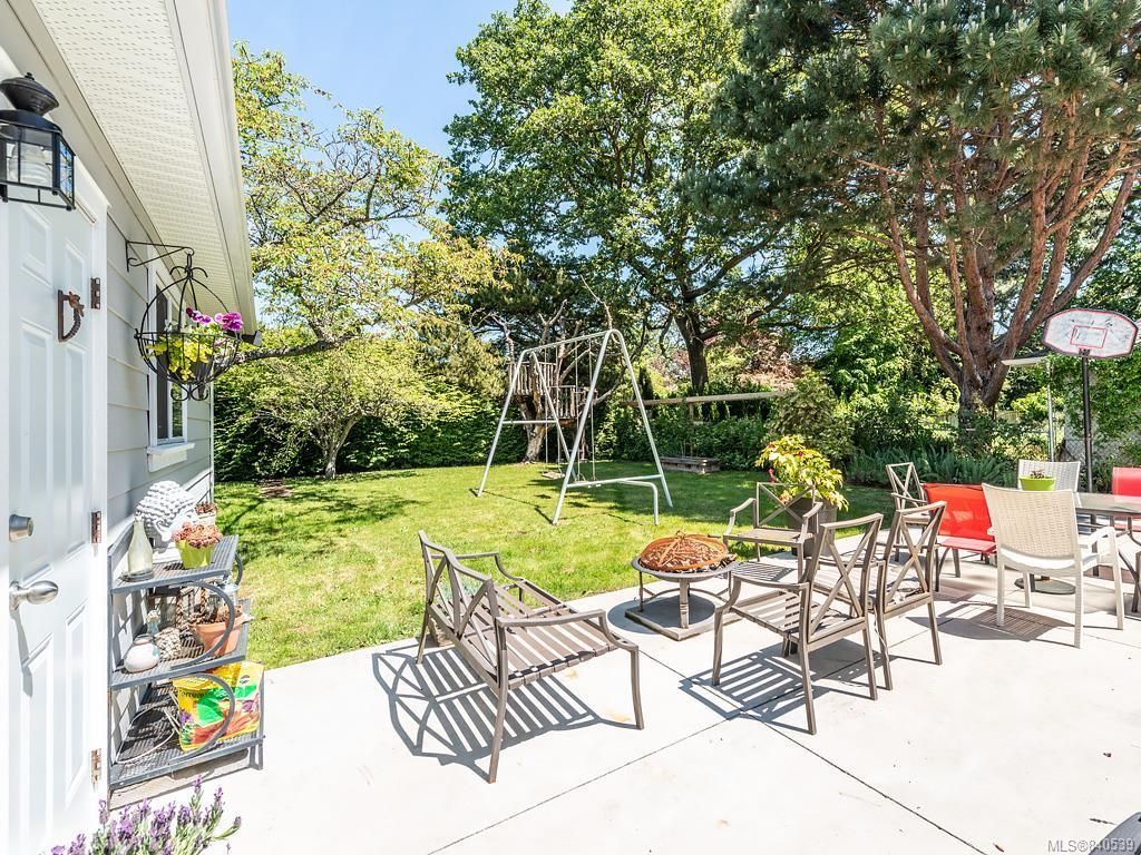 Photo 26: Photos: 2232 Cranmore Rd in Oak Bay: OB North Oak Bay House for sale : MLS®# 840539