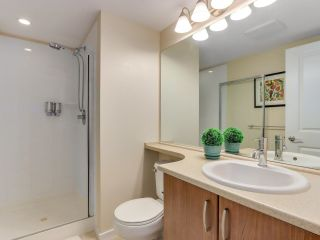 """Photo 14: 317 3082 DAYANEE SPRINGS Boulevard in Coquitlam: Westwood Plateau Condo for sale in """"The Lanterns"""" : MLS®# R2616558"""