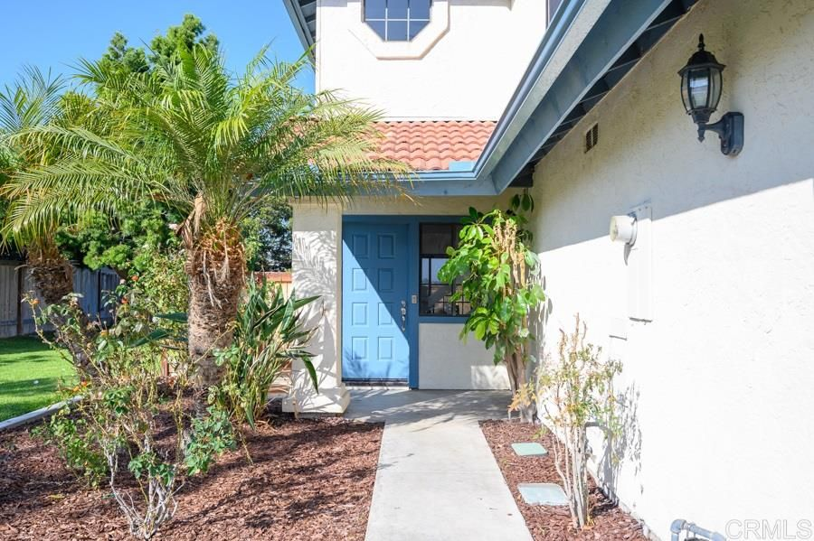 Main Photo: CARLSBAD EAST Twin-home for sale : 3 bedrooms : 3530 Hastings Dr. in Carlsbad