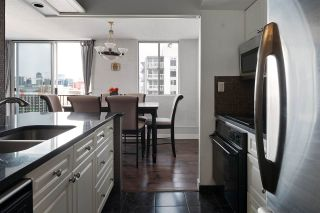 Photo 6: 1408 11307 99 Avenue in Edmonton: Zone 12 Condo for sale : MLS®# E4230195