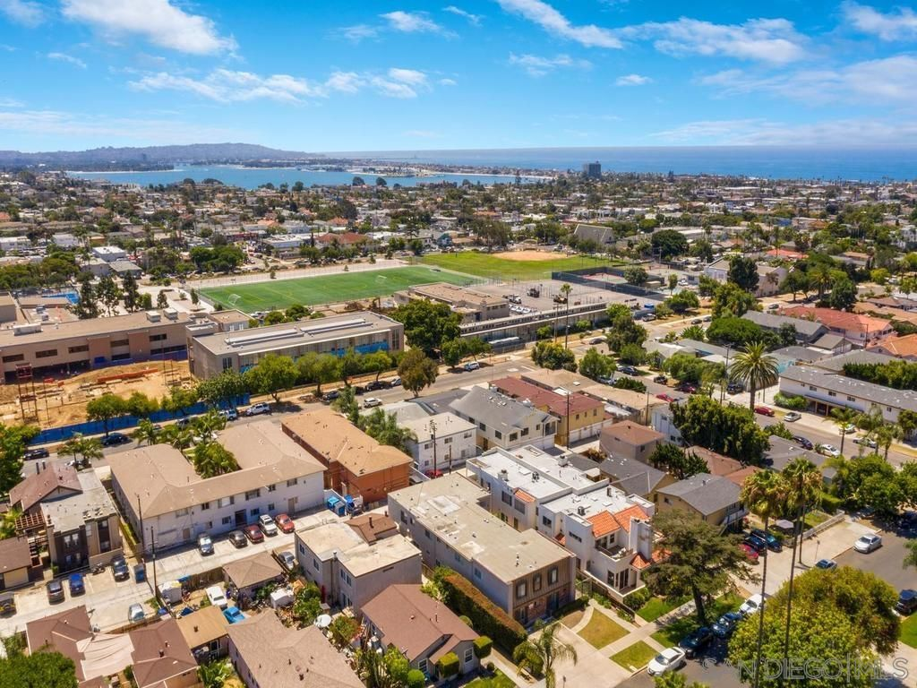 Main Photo: PACIFIC BEACH Condo for sale : 3 bedrooms : 1531 Missouri St #2 in San Diego