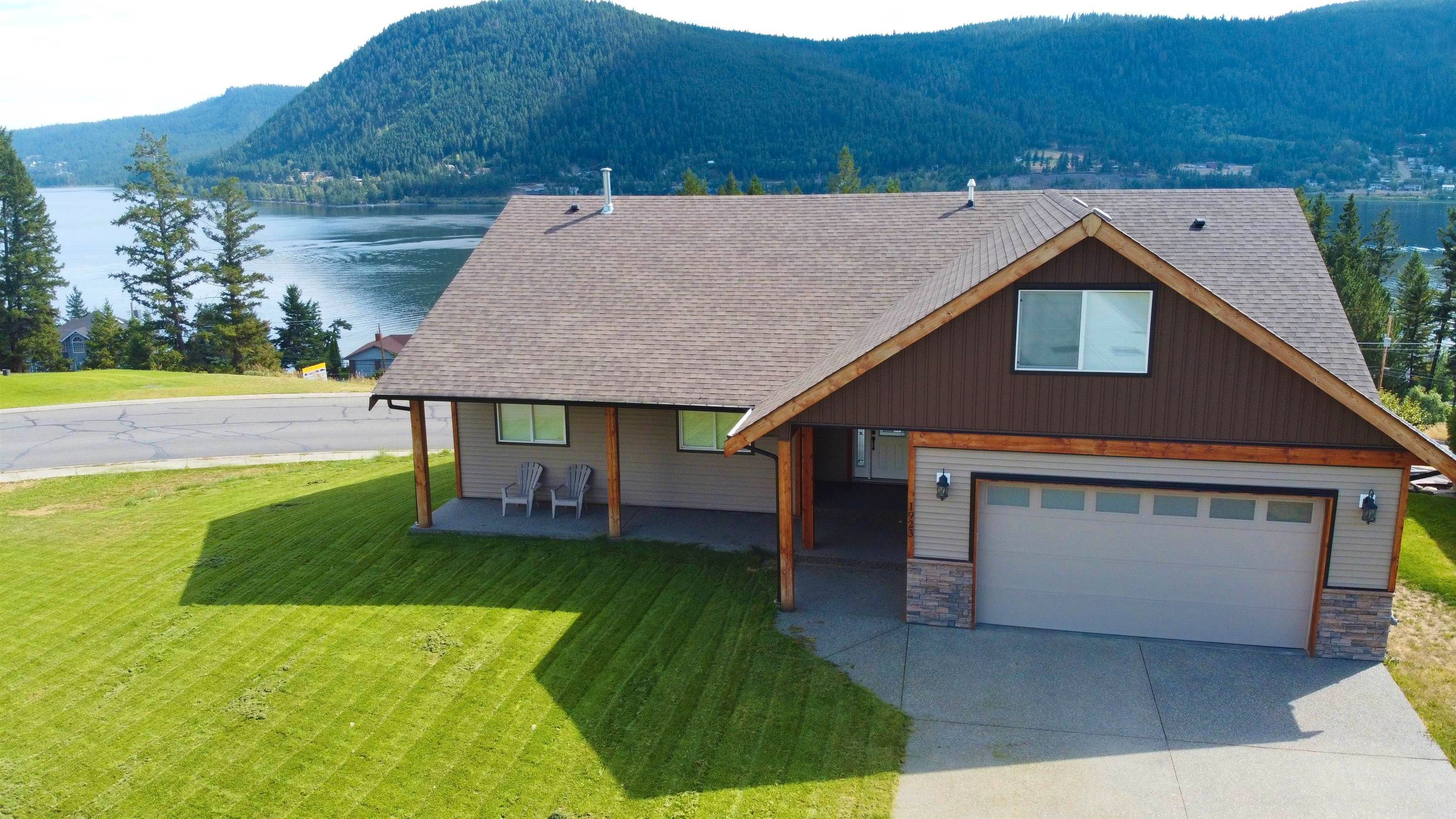 Main Photo: 1923 BOE Place in Williams Lake: Williams Lake - City House for sale (Williams Lake (Zone 27))  : MLS®# R2613434