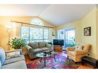 """Photo 12: 404 15991 THRIFT Avenue: White Rock Condo for sale in """"Arcadian"""" (South Surrey White Rock)  : MLS®# R2505774"""
