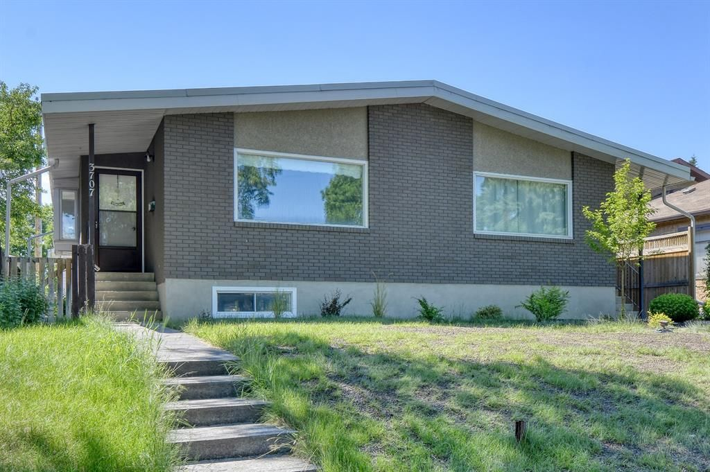 Main Photo: 3707 42 Street SW in Calgary: Glenbrook Semi Detached for sale : MLS®# A1085928
