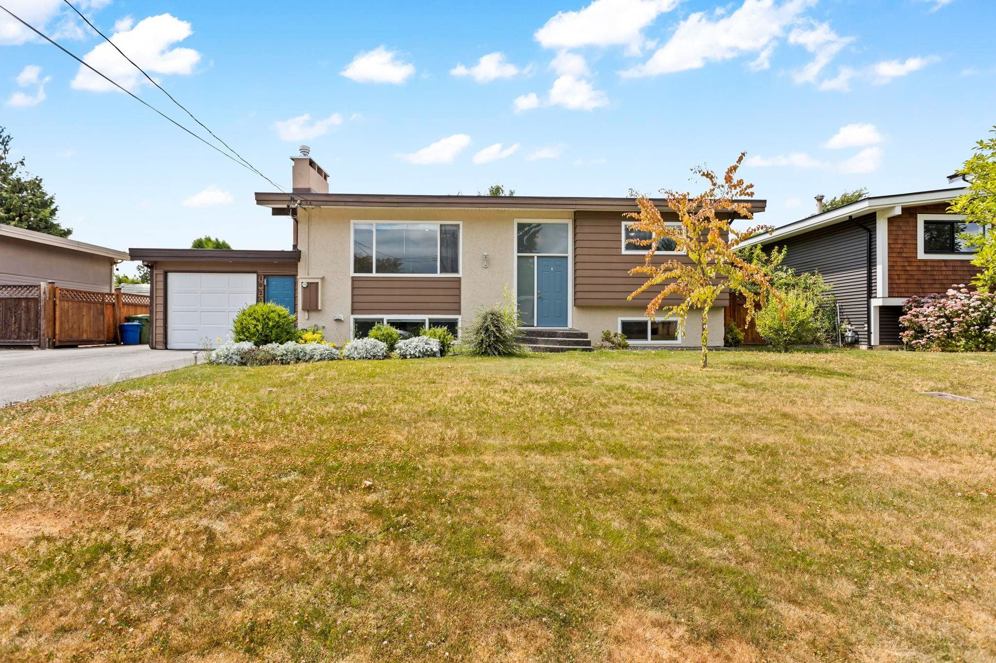Main Photo: 10245 WEDGEWOOD Drive in Chilliwack: Fairfield Island House for sale : MLS®# R2612332