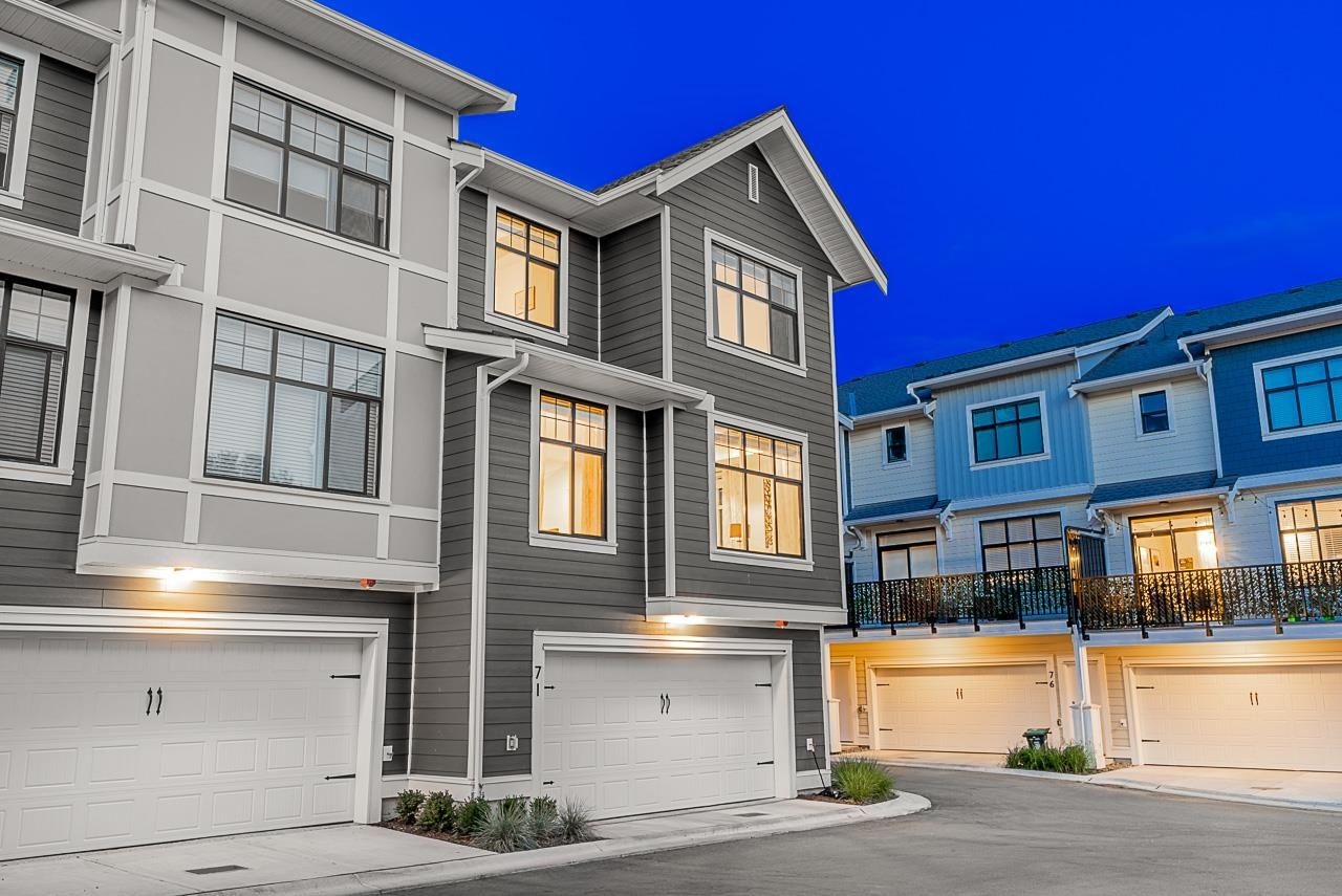 """Main Photo: 71 20327 72B Avenue in Langley: Willoughby Heights Townhouse for sale in """"Tribute By Essence"""" : MLS®# R2609639"""