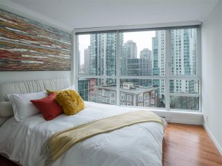 """Photo 13: 1006 1189 MELVILLE Street in Vancouver: Coal Harbour Condo for sale in """"The Melville"""" (Vancouver West)  : MLS®# R2519341"""