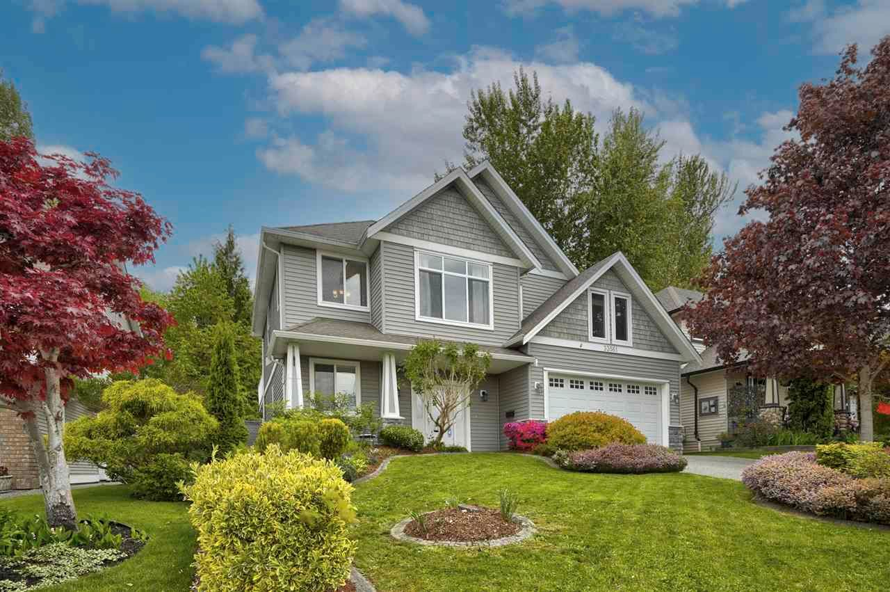 """Main Photo: 33561 12TH Avenue in Mission: Mission BC House for sale in """"College Heights"""" : MLS®# R2577154"""