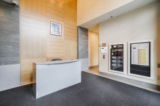 """Photo 17: 1110 10777 UNIVERSITY Drive in Surrey: Whalley Condo for sale in """"City Point"""" (North Surrey)  : MLS®# R2456310"""