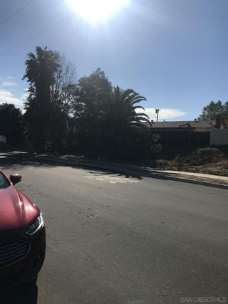 Photo 5: SAN CARLOS Property for sale: 6234 E Lake Dr in San Diego