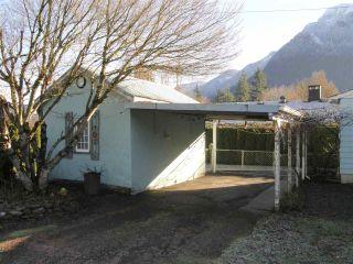 Photo 12: 509 FRASER Avenue in Hope: Hope Center House for sale : MLS®# R2226272