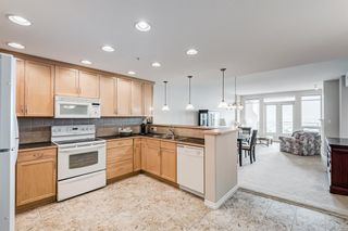 Photo 5: 701 1726 14 Avenue NW in Calgary: Hounsfield Heights/Briar Hill Apartment for sale : MLS®# A1136878
