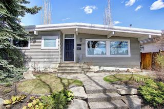 Photo 2: 4116 Varsity Drive NW in Calgary: Varsity Detached for sale : MLS®# A1105835