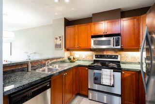 """Photo 7: 401 675 PARK Crescent in New Westminster: GlenBrooke North Condo for sale in """"WINCHESTER"""" : MLS®# R2304752"""