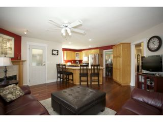 """Photo 8: 31452 JEAN Court in Abbotsford: Abbotsford West House for sale in """"Bedford Landing"""" : MLS®# R2012807"""