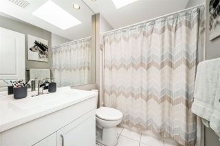 """Photo 12: W409 488 KINGSWAY Avenue in Vancouver: Mount Pleasant VE Condo for sale in """"HARVARD PLACE"""" (Vancouver East)  : MLS®# R2304937"""