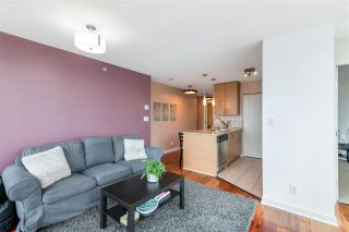 """Photo 4: 3407 909 MAINLAND Street in Vancouver: Yaletown Condo for sale in """"Yaletown Park II"""" (Vancouver West)  : MLS®# R2593394"""