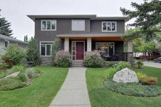 Photo 3: 2204 6 Avenue NW in Calgary: West Hillhurst Detached for sale : MLS®# A1117923