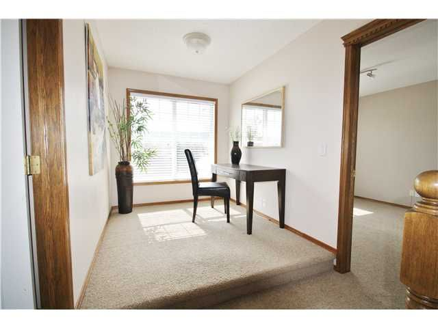 Photo 11: Photos: 73 VALLEY MEADOW Gardens NW in CALGARY: Valley Ridge Residential Detached Single Family for sale (Calgary)  : MLS®# C3584611