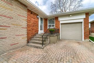 Photo 4: 8 Dumbarton Road in Toronto: Stonegate-Queensway House (Bungalow) for sale (Toronto W07)  : MLS®# W5232182