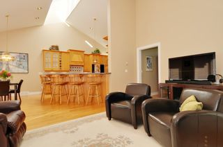 Photo 31: 2305 139A Street in Chantrell Park: Home for sale : MLS®# f1317444