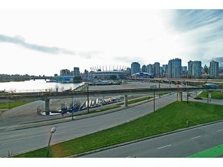 "Photo 8: 506 120 MILROSS Avenue in Vancouver: Mount Pleasant VE Condo for sale in ""Brighton"" (Vancouver East)  : MLS®# V1106879"