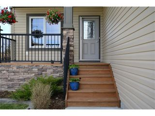 Photo 3: 112 WEST POINTE Manor: Cochrane House for sale : MLS®# C4116504