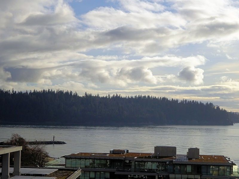 """Main Photo: 1002 1341 CLYDE Avenue in West Vancouver: Ambleside Condo for sale in """"CLYDE GARDENS"""" : MLS®# R2522324"""