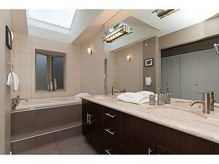 Photo 5: 44 3750 EDGEMONT Blvd in Capilano Highlands: Home for sale : MLS®# V988933