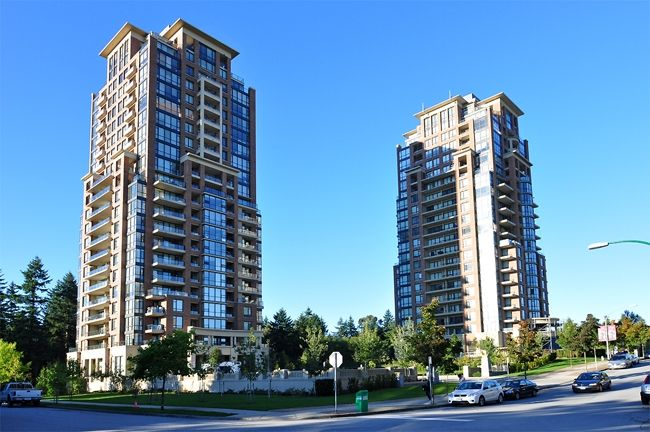 """Main Photo: 305 6823 STATION HILL Drive in Burnaby: South Slope Condo for sale in """"BELVEDERE - CITY IN THE PARK"""" (Burnaby South)  : MLS®# V853393"""