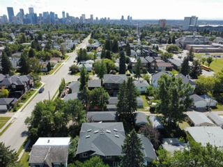 Photo 3: 907 23 Avenue NW in Calgary: Mount Pleasant Semi Detached for sale : MLS®# A1141510
