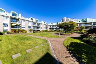 """Photo 25: 2201 33 CHESTERFIELD Place in North Vancouver: Lower Lonsdale Condo for sale in """"Harbourview Park"""" : MLS®# R2549622"""