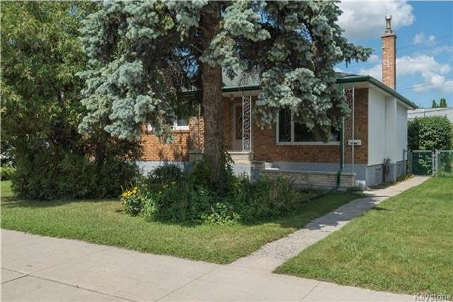 Main Photo: 1219 Mountain Avenue in Winnipeg: Shaughnessy Heights Residential for sale (4B)  : MLS®# 1718838