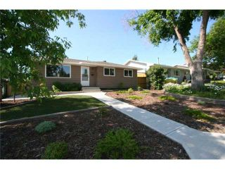 Photo 1: 1111 HUNTERSTON Road NW in CALGARY: Huntington Hills Residential Detached Single Family for sale (Calgary)  : MLS®# C3624233