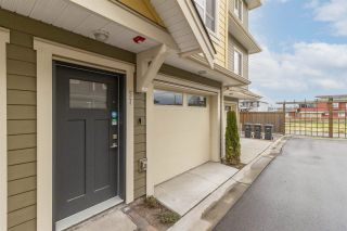 Photo 2: 57 843 EWEN Avenue in New Westminster: Queensborough Townhouse for sale : MLS®# R2561231