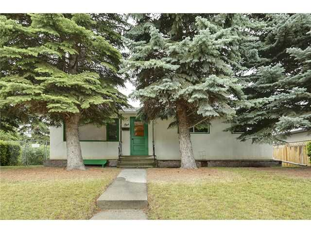 Main Photo: 1 42 Street SW in Calgary: Wildwood Residential Detached Single Family for sale : MLS®# C3634389