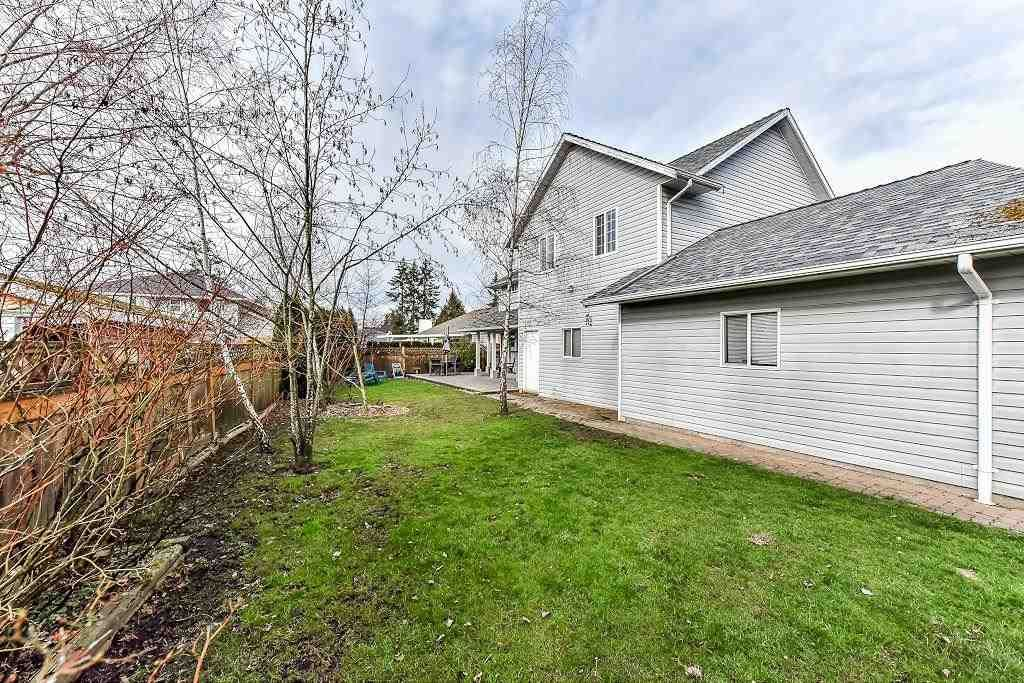 """Photo 4: Photos: 20952 50B Avenue in Langley: Langley City House for sale in """"Newlands"""" : MLS®# R2239535"""