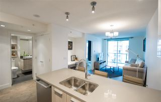 """Photo 3: 1908 3007 GLEN Drive in Coquitlam: North Coquitlam Condo for sale in """"EVERGREEN BY BOSA"""" : MLS®# R2131951"""