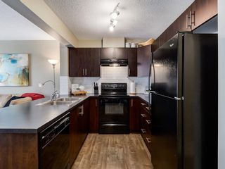 Photo 4: 6 Pantego Lane NW in Calgary: Panorama Hills Row/Townhouse for sale : MLS®# C4286058
